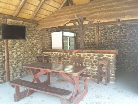inkwazi-bush-lodge-bar